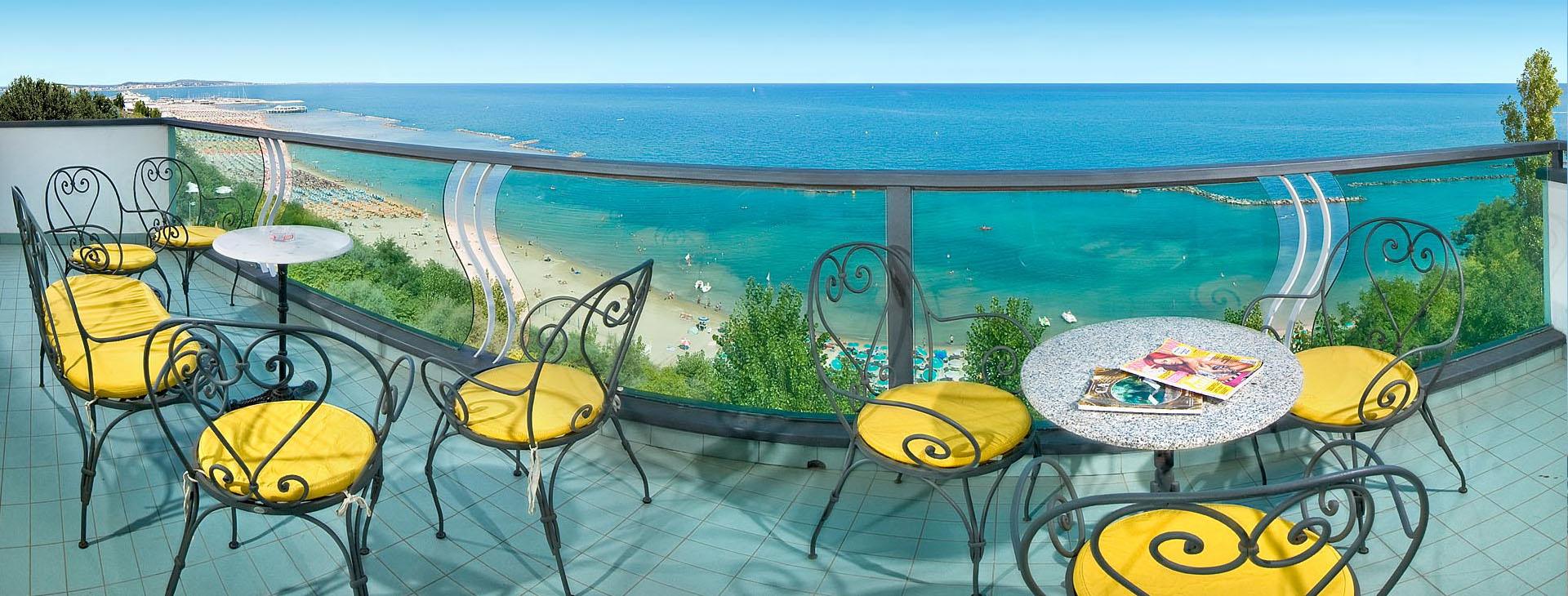 Hotel majestic a gabicce mare 4 stelle sul mare con piscina - Hotel sul mare con piscina ...